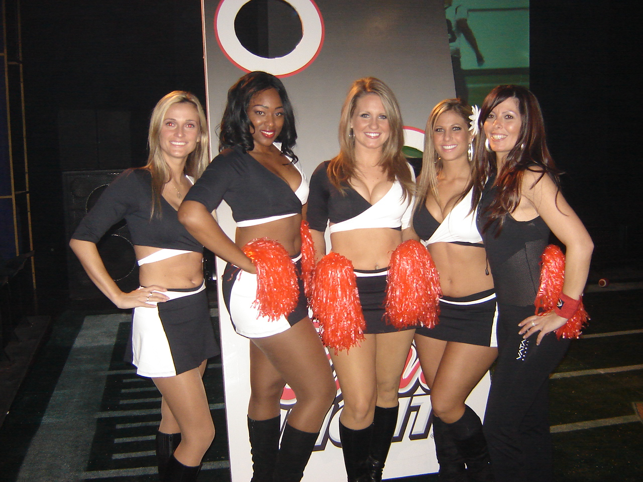 nov.08_-_montreal_-_maxim_grey_cup_party_011
