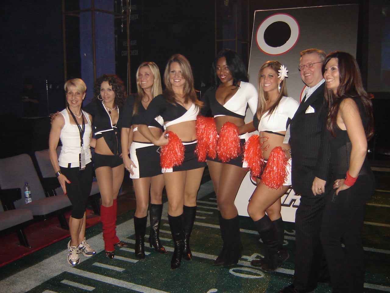 nov.08_-_montreal_-_maxim_grey_cup_party_013